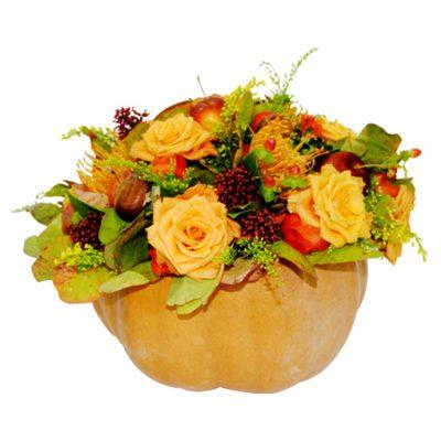 Κολοκύθα-μεγάλη-με-σύνθεση-απο-λουλούδια-εποχής